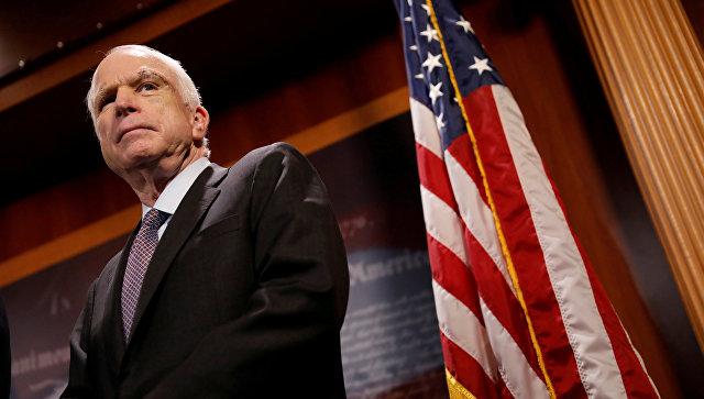 Американский сенатор Джон Маккейн. 2017