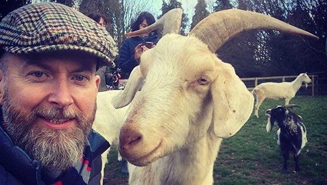 Алан Макэллиготт и его друг-козел