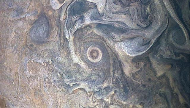 Снимок поверхности Южного экваториального пояса Юпитера, снятые станцией Юнона