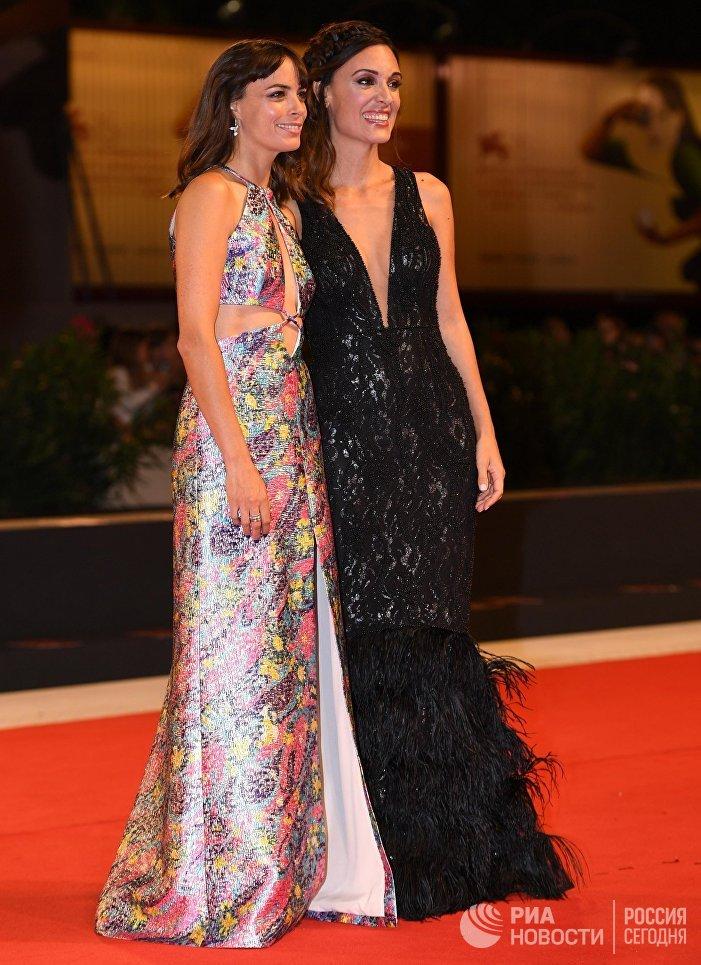 Актрисы Мартина Гусман и Беренис Бежо на премьере фильма Тишина (La quietud)