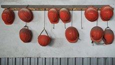Каски рабочих. Архивное фото