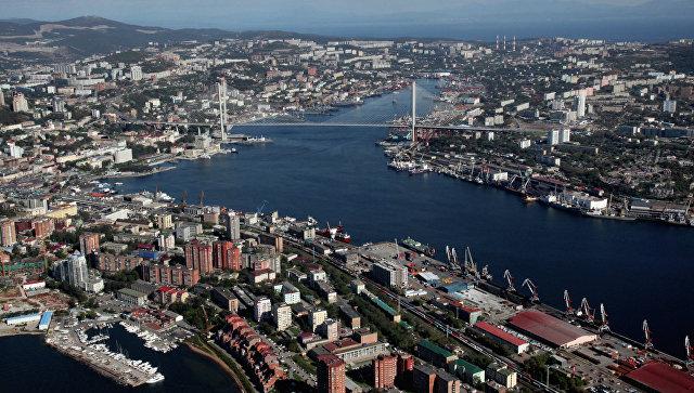 Вид на бухту Золотой Рог во Владивостоке
