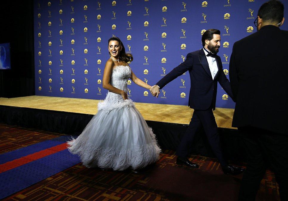 Пенелопа Крус во время 70-й церемонии вручения награды Primetime Emmy Awards в Лос-Анджелесе
