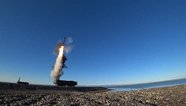 Кадры пуска ракеты Оникс комплекса Бастион в Арктике