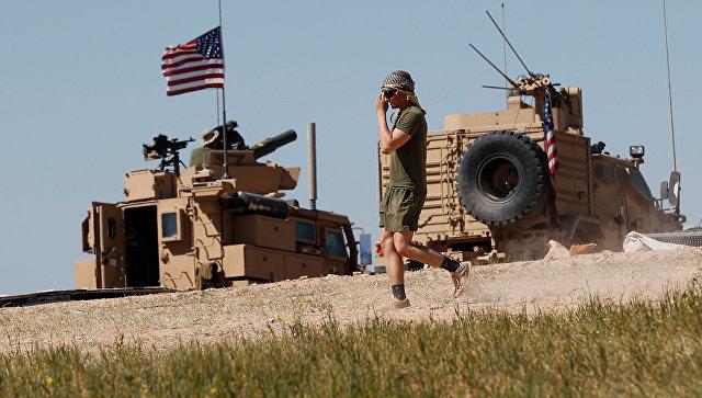 Американский военный в районе сирийского населенного пункта Манбидж. Архивное фото