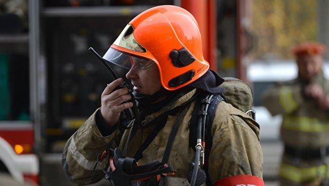 На северо-востоке Москвы загорелся шестнадцатиэтажный дом