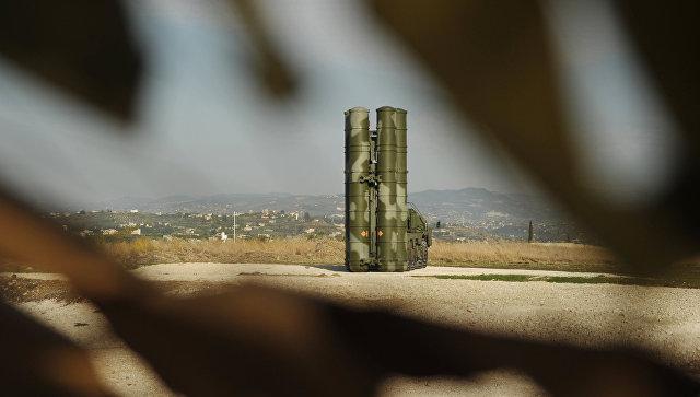Зенитно-ракетный комплекс С-400. Архивное фото