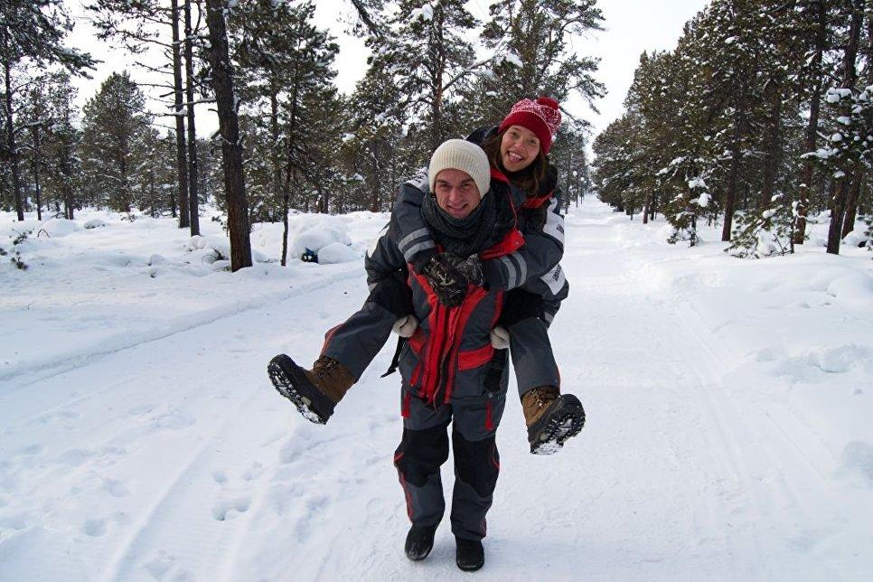Влад Топалов и Регина Тодоренко на прогулке вокруг озера Байкал