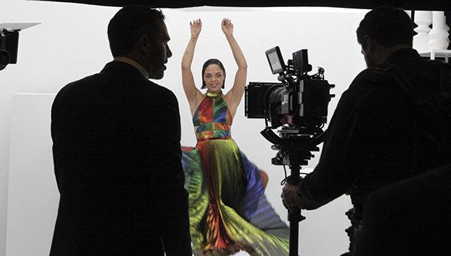 Вweb-сети интернет появился 1-ый эпизод изремейка фильма «Люди вчерном»