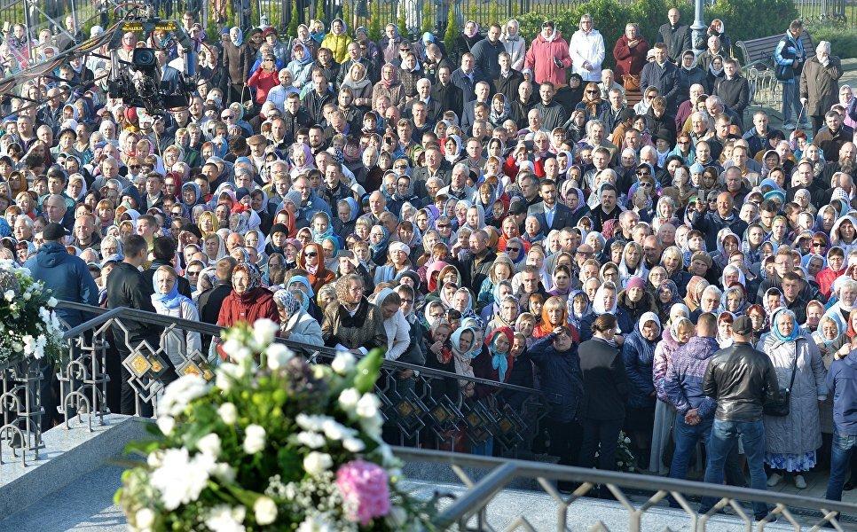 Верующие собрались у Минского храма-памятника во имя Всех святых и в память о жертвах, спасению Отечества нашего послуживших (Всехсвятской церкви)