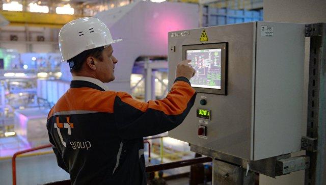 Работник электростанции