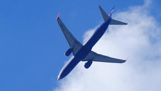 """В """"Домодедово"""" экстренно сел самолет из-за трещины в стекле"""