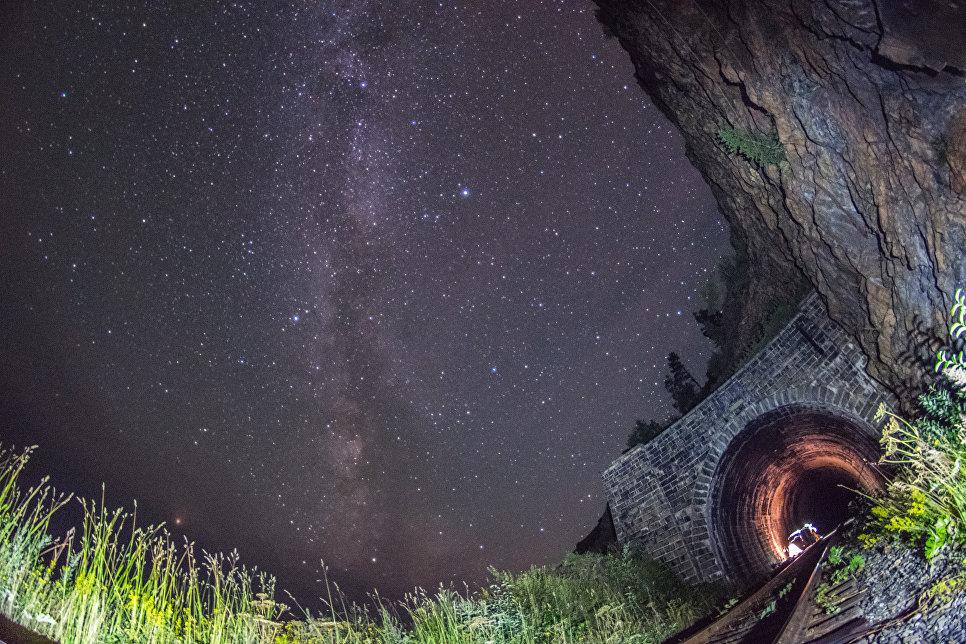 Ночевка в тоннеле Столбы - 2. Вид снаружи.