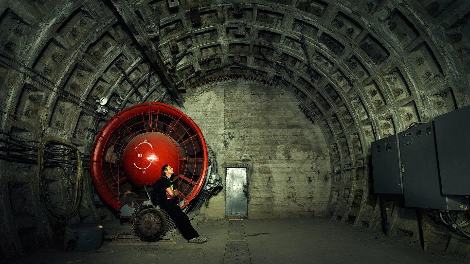 Санкт-Петербург. Вентиляционный тоннель станции метро Спортивная.