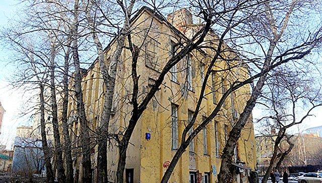 Бывшая контора Новосухаревского рынка в Красносельском районе Москвы