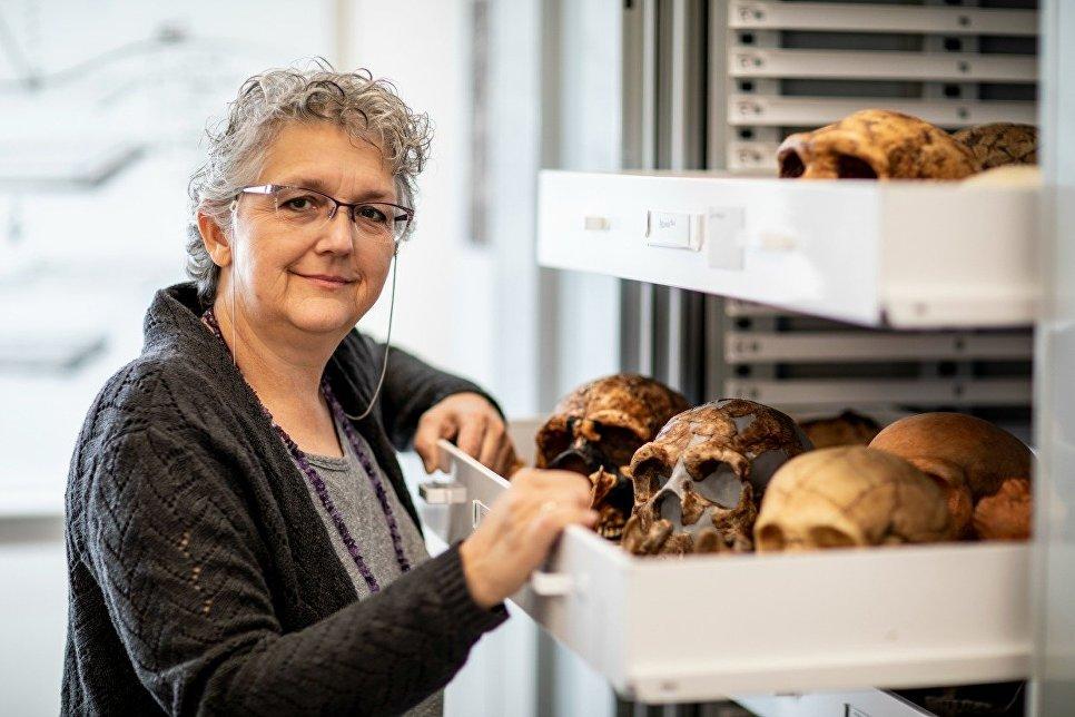 Ученые выяснили, как выглядела грудь у неандертальцев