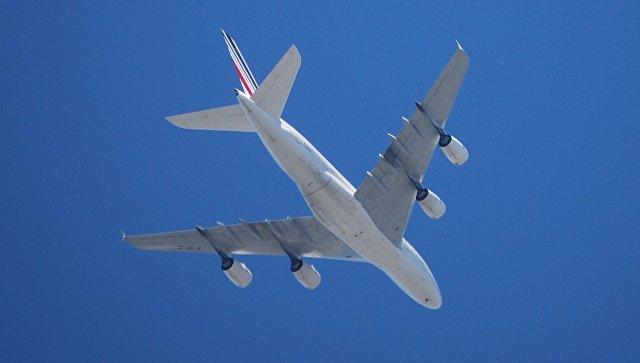 Причину экстренной посадки Boeing в Иркутске выяснят французские техники