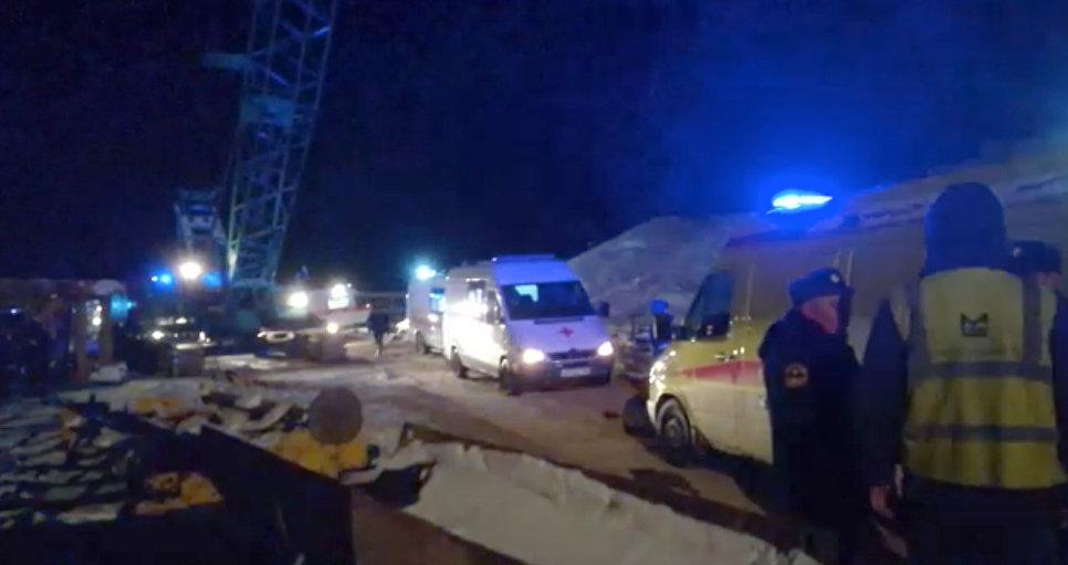 Появилось видео с места обрушения моста в Югре
