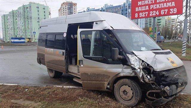 В Саратовской области семь человек пострадали в ДТП с маршруткой