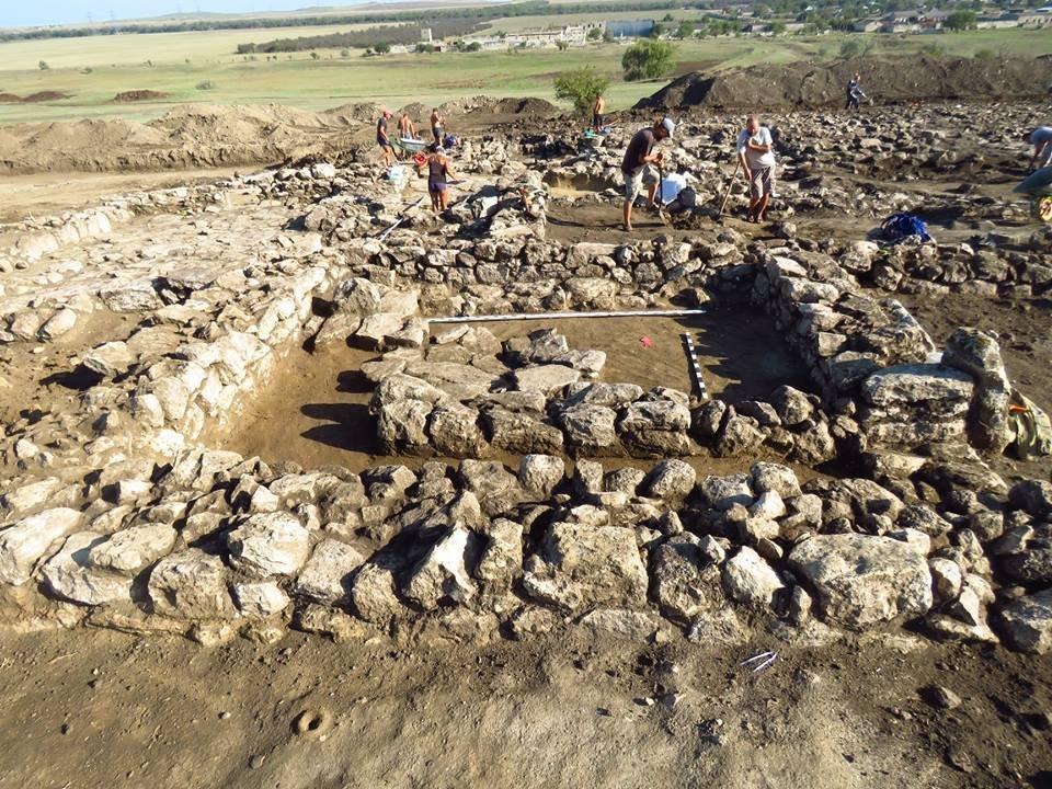 В Крыму обнаружили уникальное древнегреческое поселение