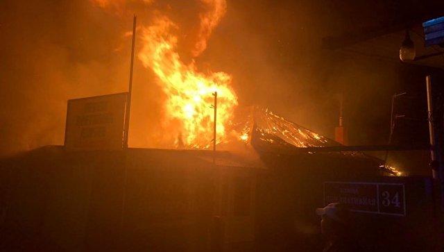 В Люберцах потушили пожар в здании ритуальных услуг