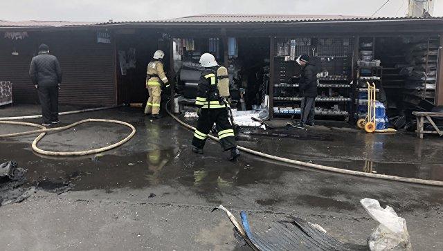 Во Владикавказе загорелся рынок автотоваров