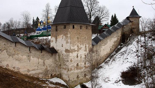Псково-Печерский монастырь. Архивное фото