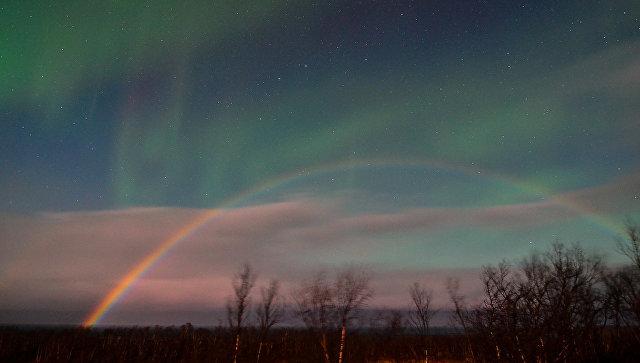 В Швеции сфотографировали лунную радугу и северное сияние одновременно