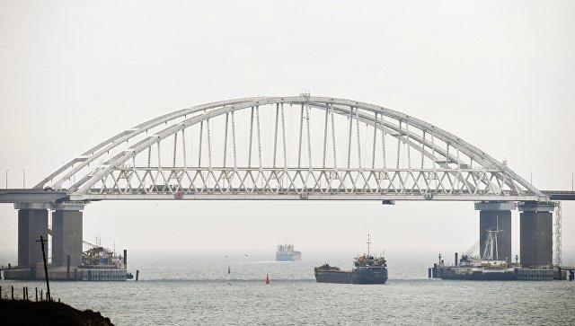 В Керченском проливе теплоход задел винтом якорную цепь другого судна