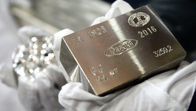 Палладий впервые за 16 лет стал дороже золота