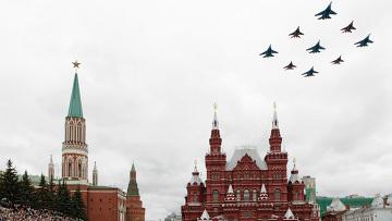 Военный парад на Красной площади. Архив