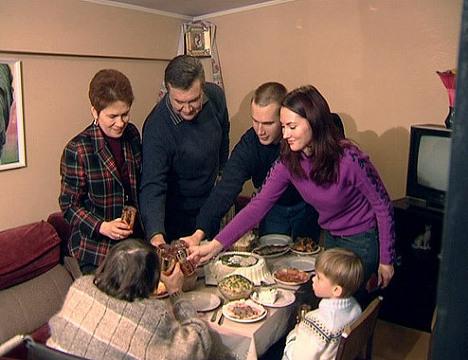 Виктор Янукович в кругу семьи