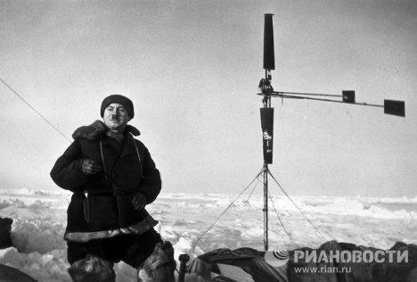 Папанин Иван Дмитриевич, начальник станции Северный полюс–1