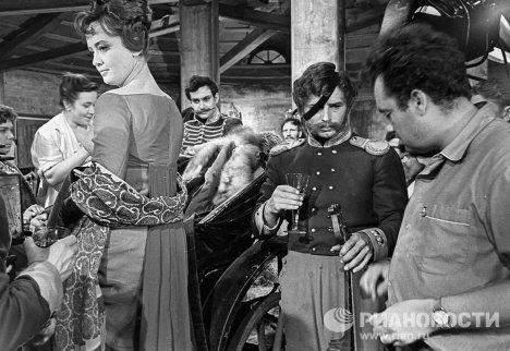 Рязанов и Шмыга на съемках фильма «Гусарская баллада»