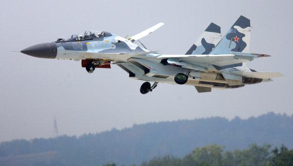 Истребитель СУ-30МК в небе