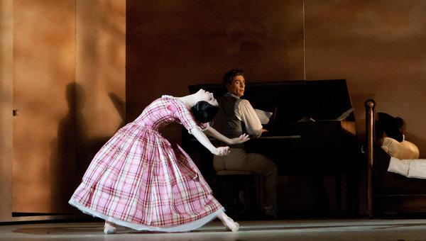Сцена из балета Утраченные иллюзии