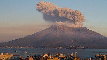 Вулкан Сакурадзима. Архивное фото