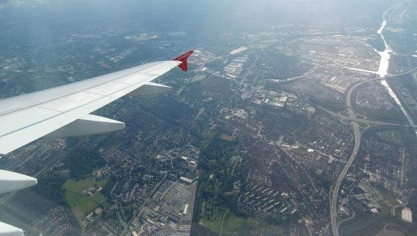 Крыло самолета. Архивное фото
