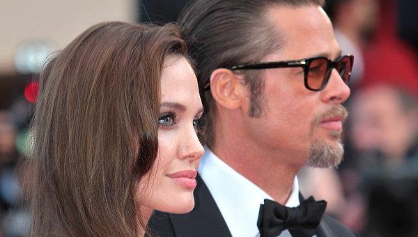 Актеры Анджелина Джоли и Брэд Питт. Архивное фото.