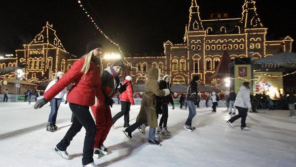 Празднование Дня студента на катке на Красной площади. Архив