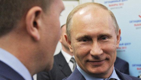 Премьер-министр РФ В.Путин посетил ситуационный центр Выборы-2012