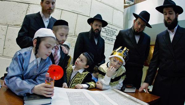 Торжества, посвященные еврейскому празднику Пурим. Архив