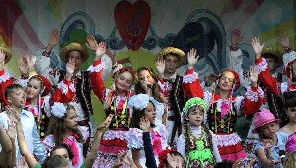Юные артисты на открытии фестиваля Союзного государства «Творчество юных»