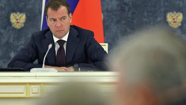 К падающим ракетам и спутникам России