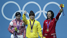 Россиянка Светлана Царукаева (слева) на церемонии вручения медали на Играх в Лондоне. Архивное фото