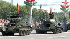 Танки Т-34, СУ-100 и ЗРК на параде в честь Дня независимости Белоруссии