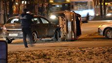 Opel опрокинул ВАЗ в центре Липецка
