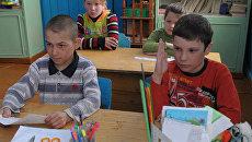 Более тысячи школ в России закроют в новом учебном году