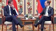 Медведев позвал британского премьера в Россию