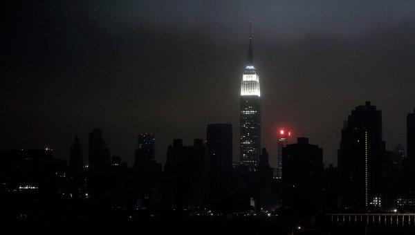 Отключение энергоснабжения в Нью-Йорке из-за урагана Сэнди